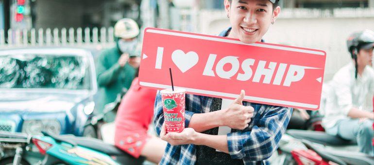 """Đè bẹp cơn đói và cơn khát trà sữa với dịch vụ giao đồ ăn """"chớp nhoáng"""" của Loship.vn"""